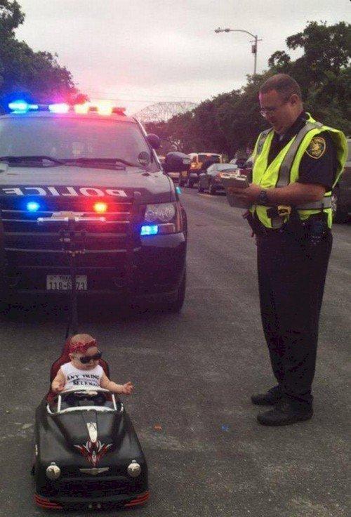 baby car cop