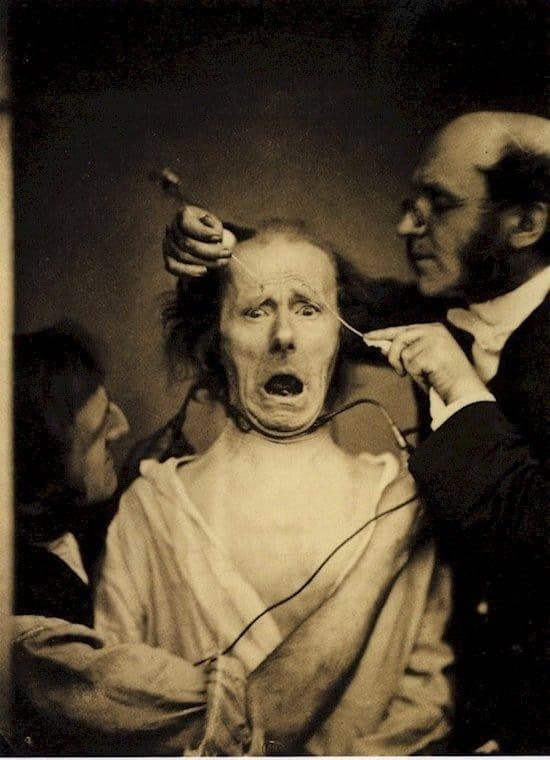 creepy-vintage-photos-electricity