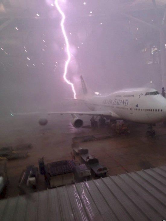 images-lightning