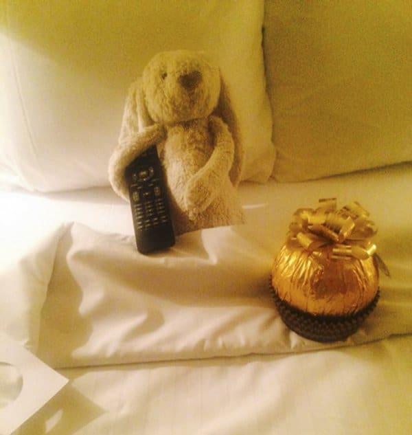 lost-bunny-hotel-adventures-adare-manor-bed-remote