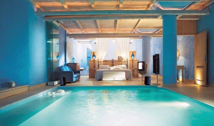 pool-bedroom-divider