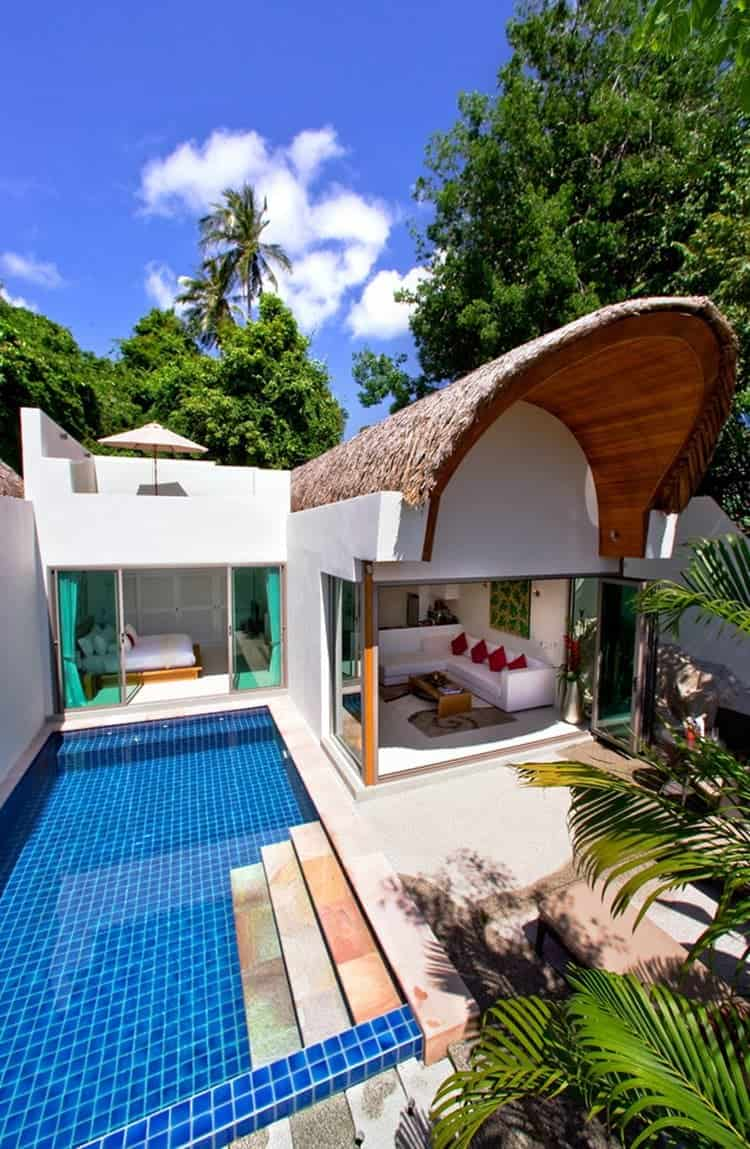 pool-bedroom-door