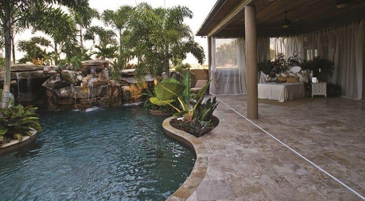 pool-bedroom-falls