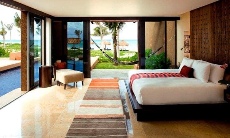 pool-bedroom-hammock