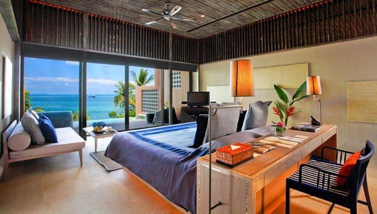 pool-bedroom-ocean