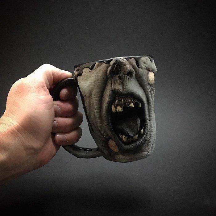 zombie-mug-hold