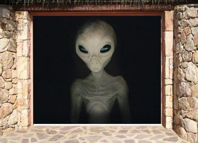 alien garage