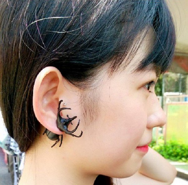 beetle earring girl