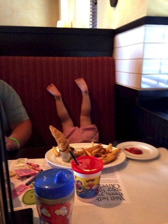 children-dinner
