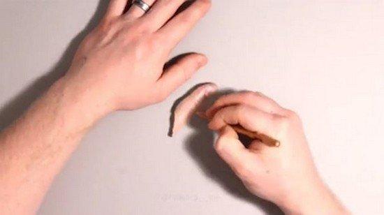 drawing thumb