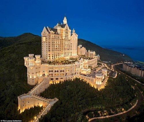 fascinating-photos-hotel