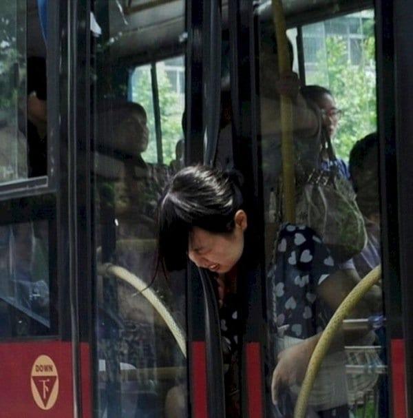 monday-bus