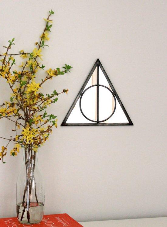 nerdy-decor-hallows-mirror