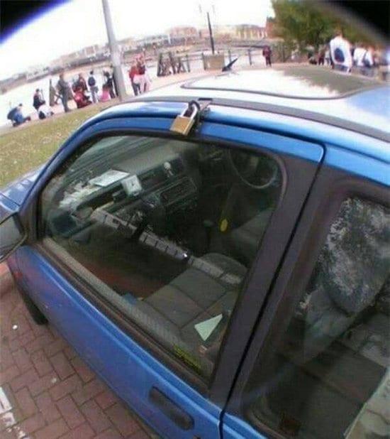 padlock on car