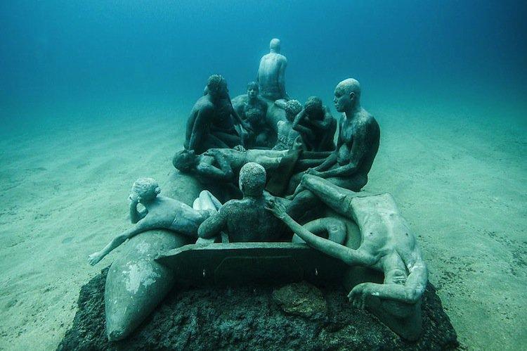 sculpture-boat