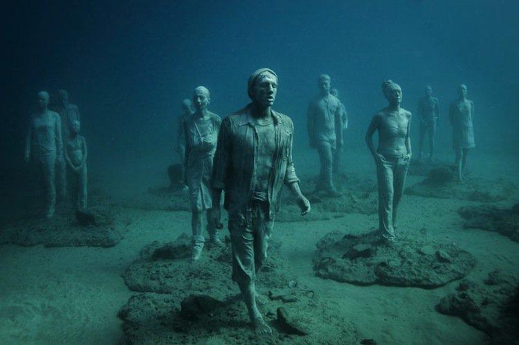 sculpture-eerie