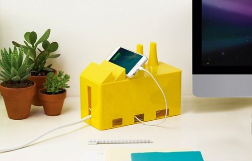 things-you-need-for-office-desk-cable
