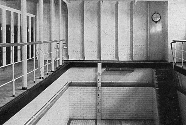 titanic-pool-two