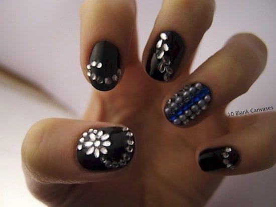 nails-dots