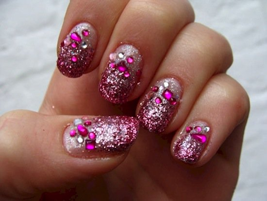 14 Gorgeous Glitter Fade Nail Designs That Will Inspire You