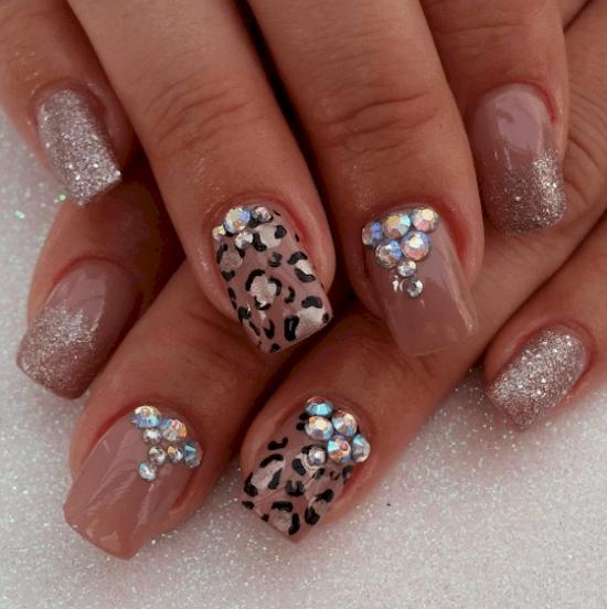 nails-leopard