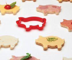 pig sandwich cutter