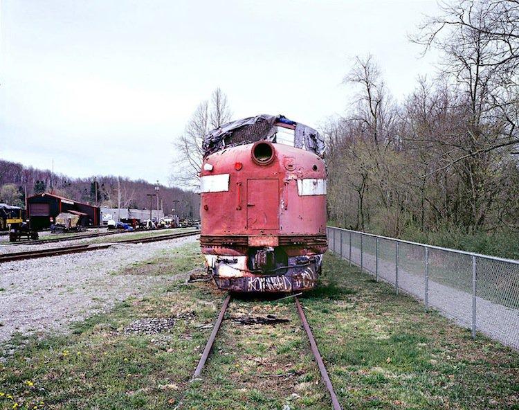 train-falling-apart