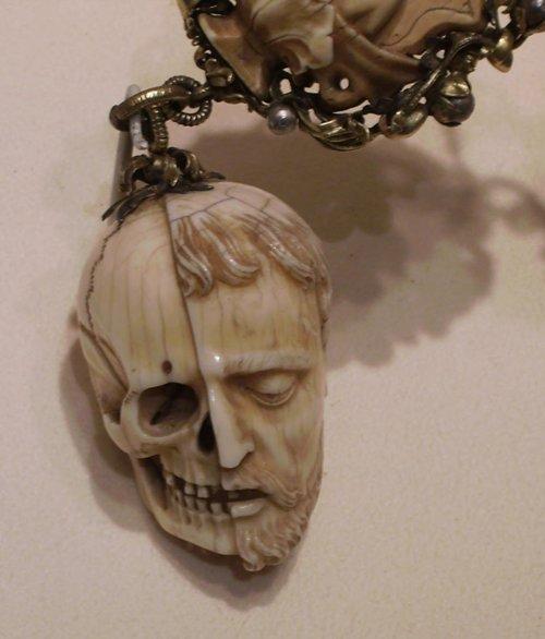 awesome-artifacts-memento-mori