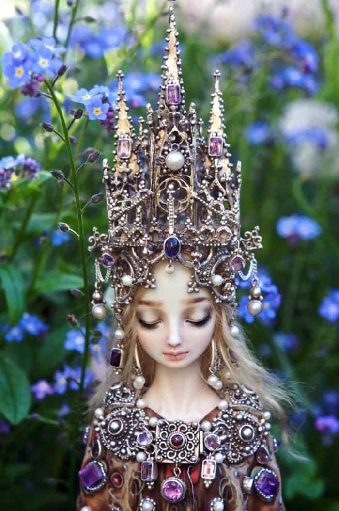 dolls-crown
