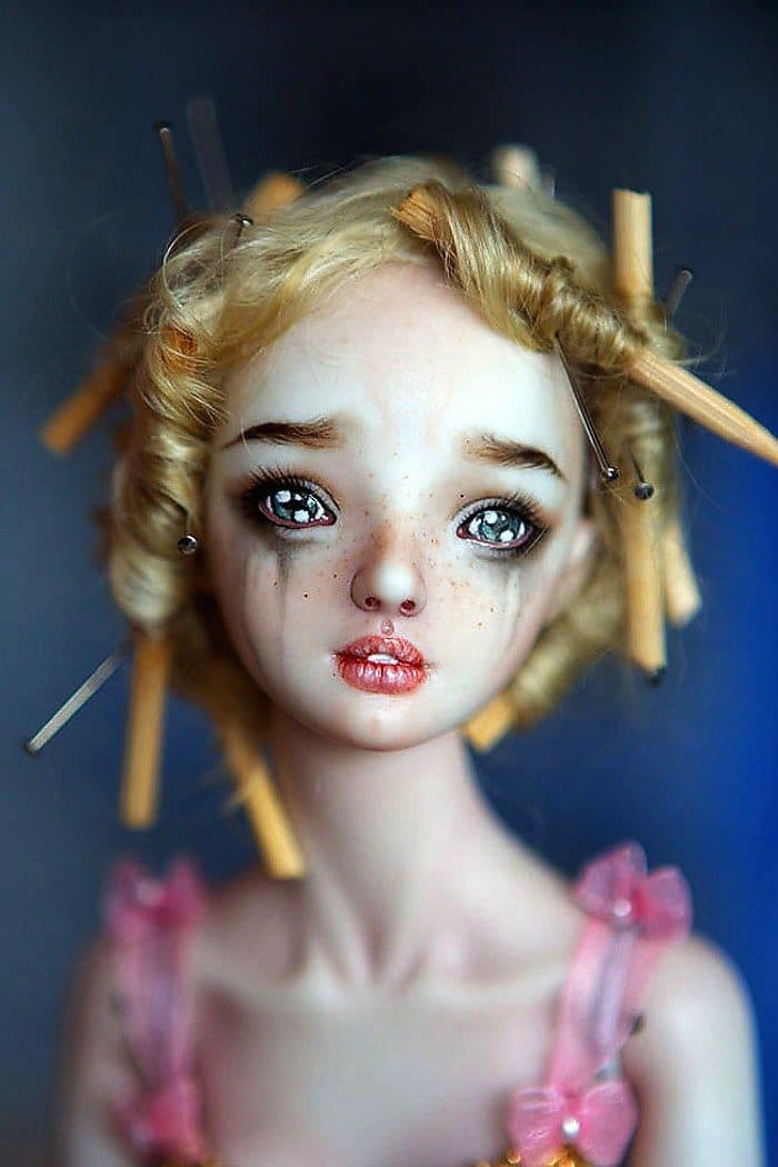 dolls-crying