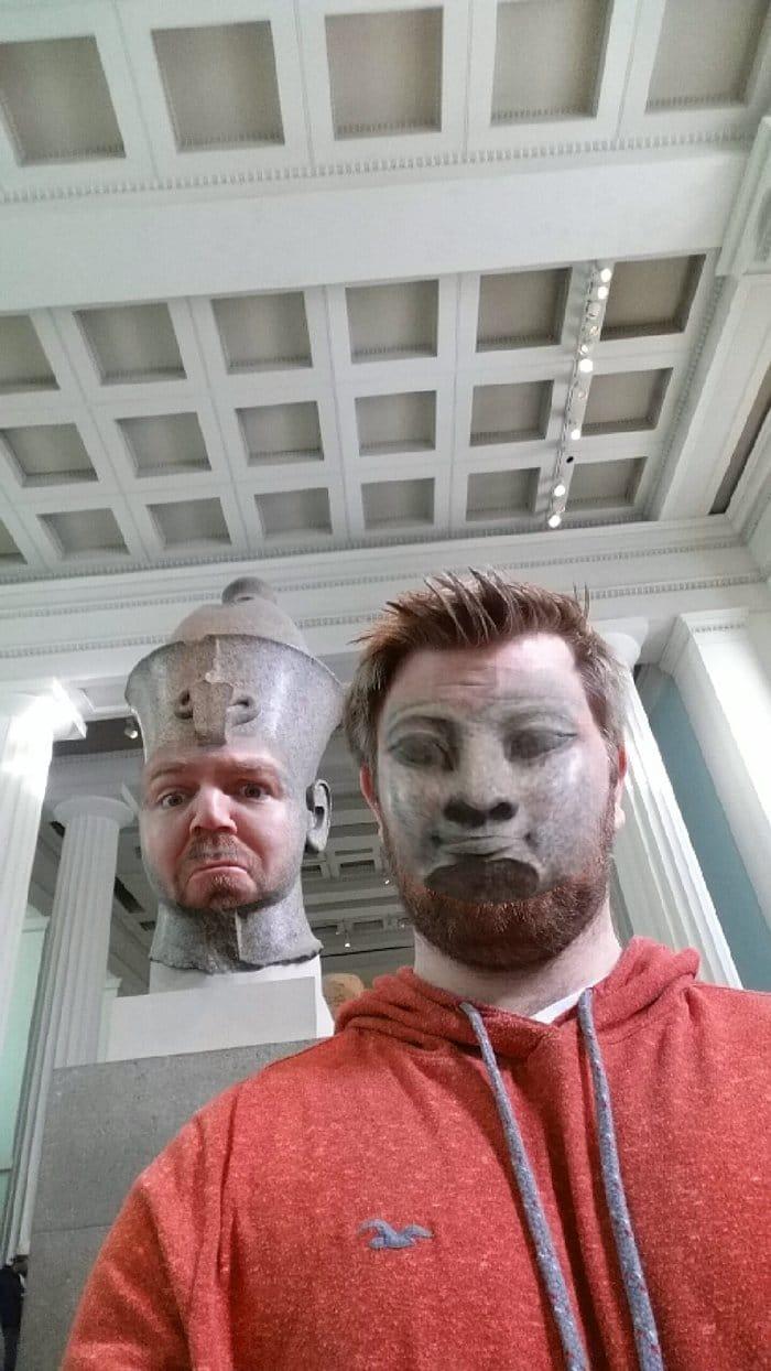 museum-face-swaps-hat