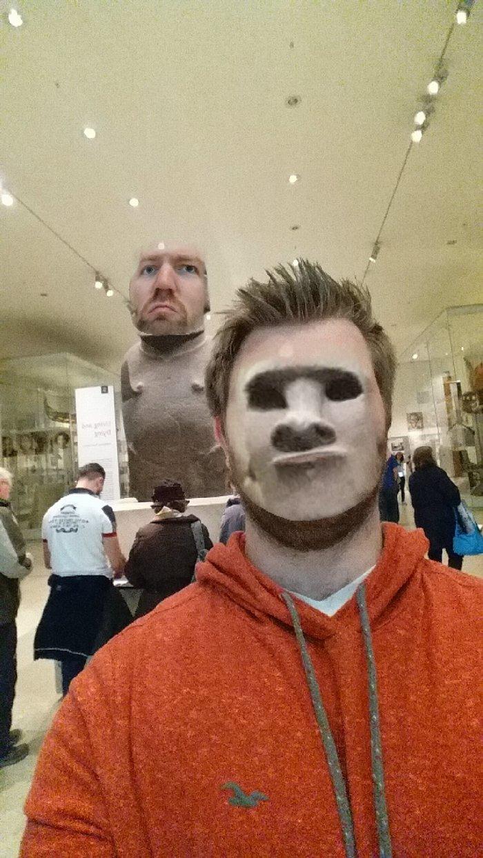 museum-face-swaps-nose