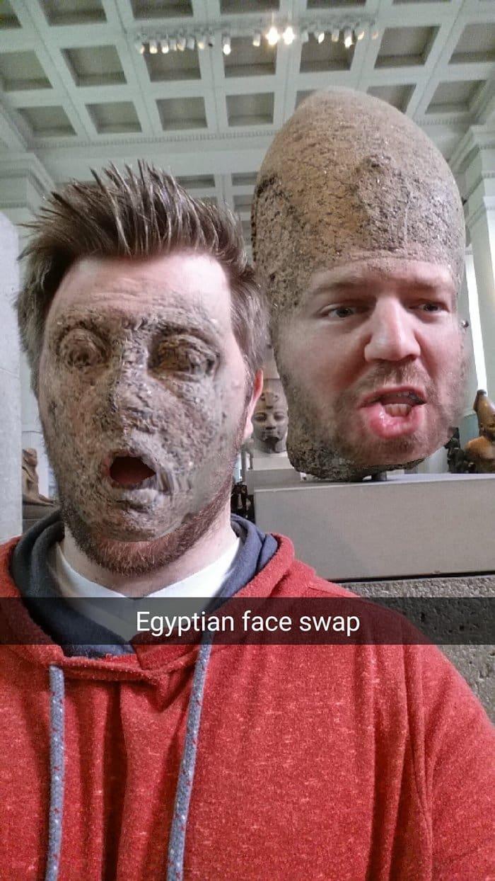 museum-face-swaps-sand