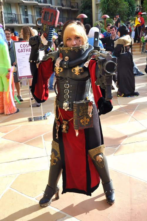 awesome-cosplay-sister-of-battle