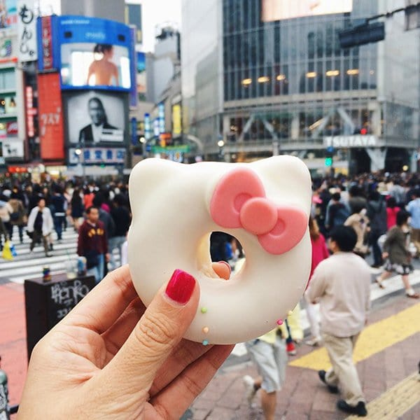 awesome-street-food-hello-kitty-donut