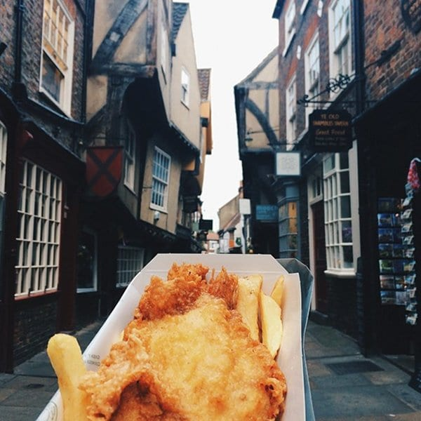 awesome-street-food-uk-fish-and-chips