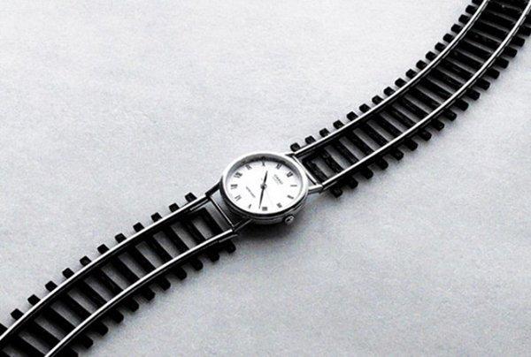 chema-madoz-watch