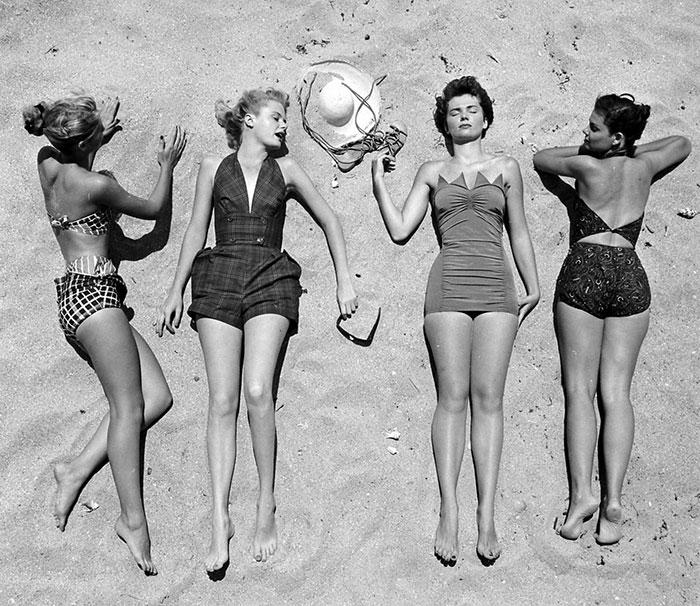 nina-leen-vintage-photos-beach