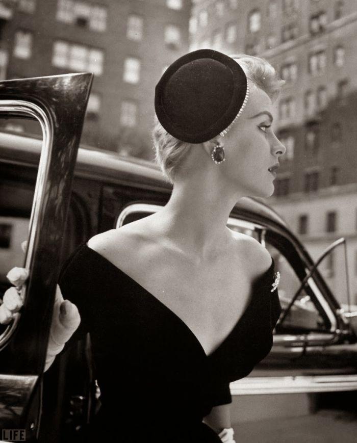 nina-leen-vintage-photos-car