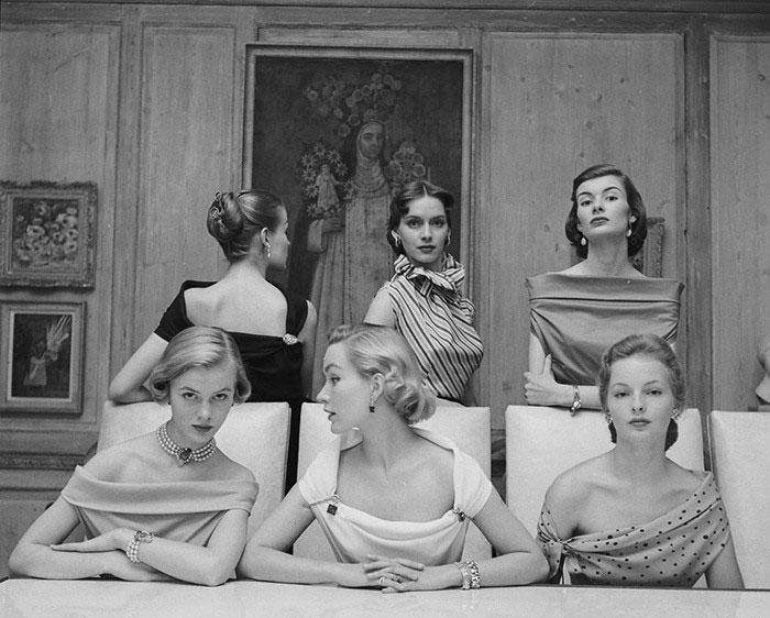 nina-leen-vintage-photos-table