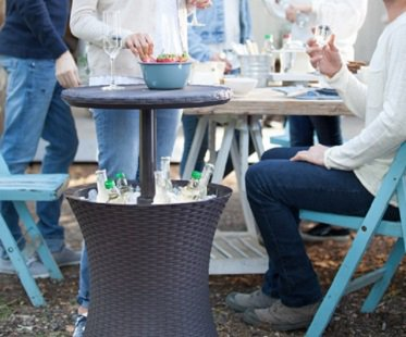 Outdoor Cooler Table drinks