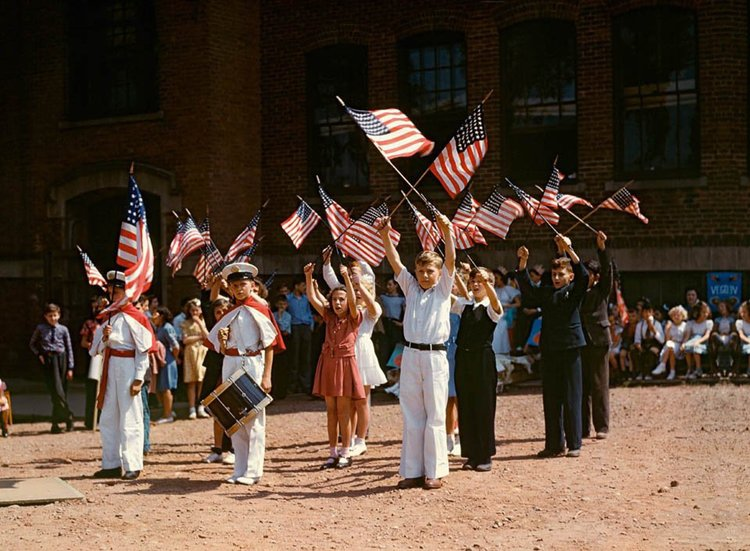1940s-color-photos-flag