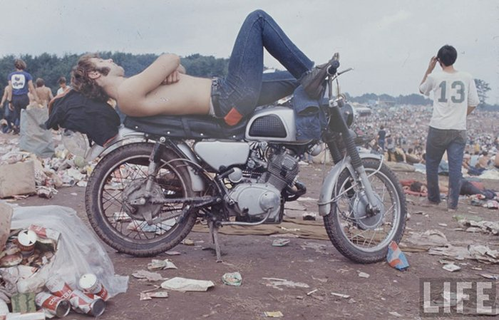 1969-woodstock-music-festival-bike