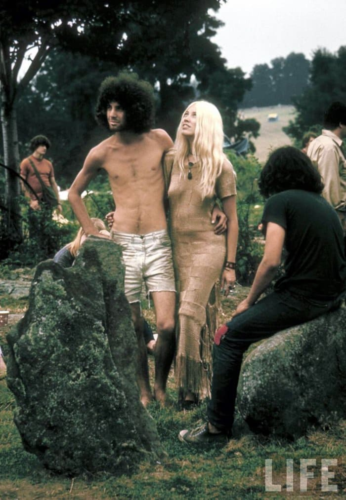 1969-woodstock-music-festival-couple