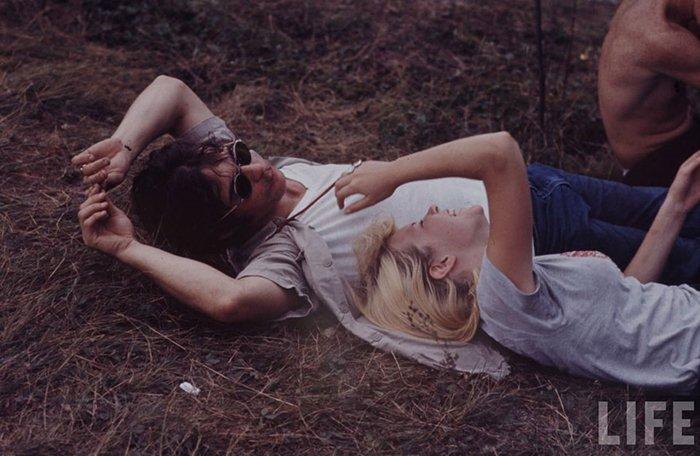 1969-woodstock-music-festival-laugh