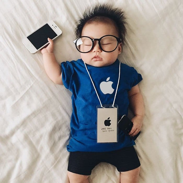 sleeping-baby-cosplay-apple