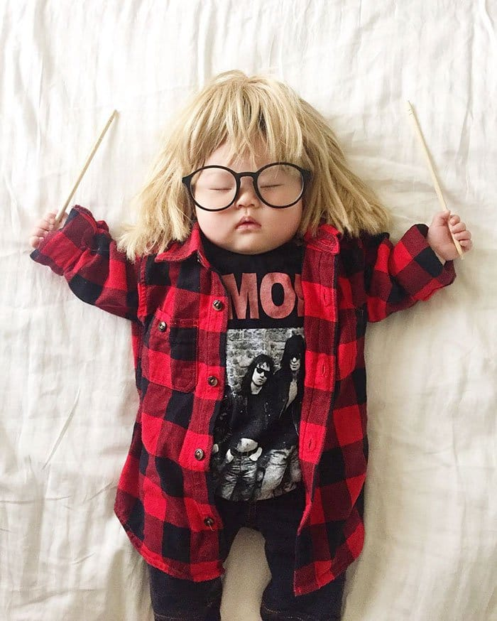 sleeping-baby-cosplay-garth