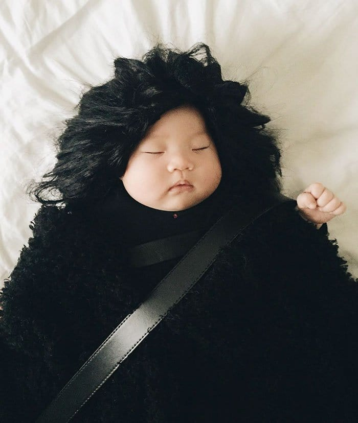 sleeping-baby-cosplay-jon-snow