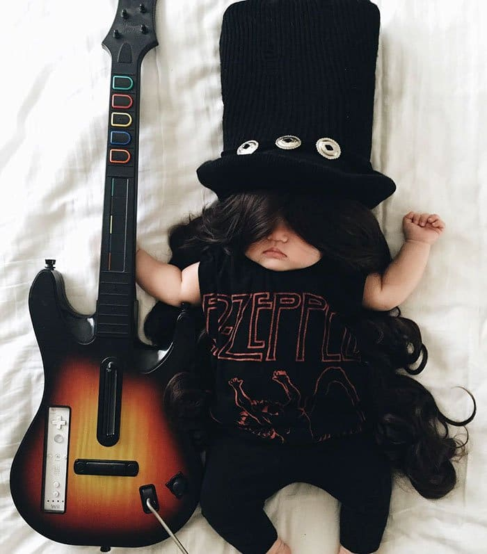 sleeping-baby-cosplay-slash