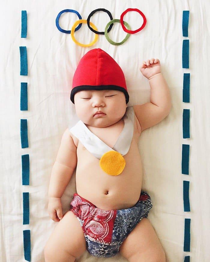 sleeping-baby-cosplay-swimmer